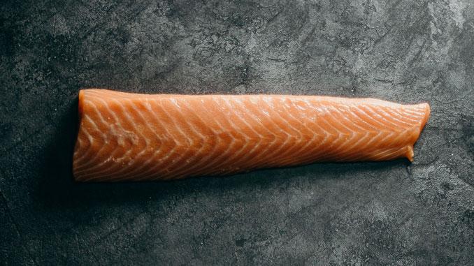 Lachs enthält viele Omega-3-Fettsäuren